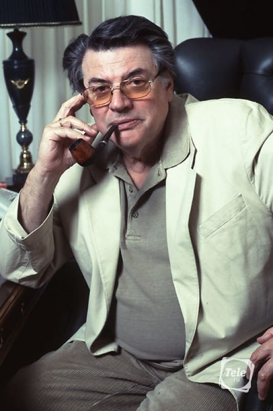 Александр анатольевич смотрит порнуху